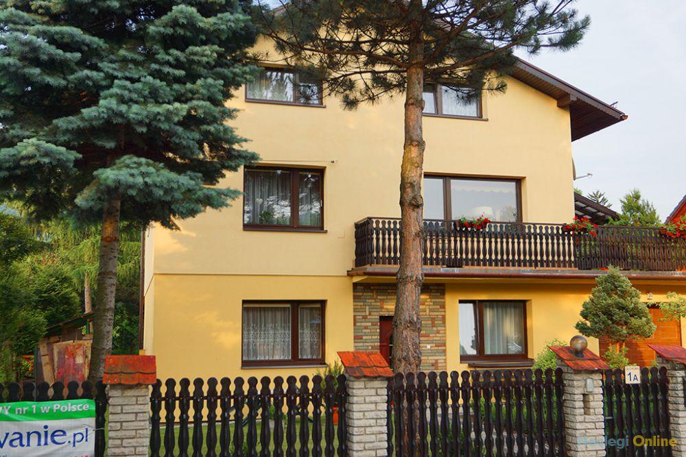 Apartamenty i pokoje gościnne INA