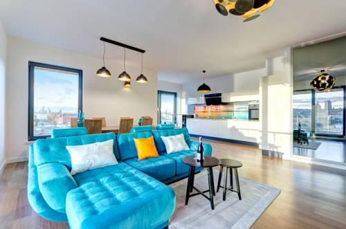Brabank - Luxury Interiors with River View