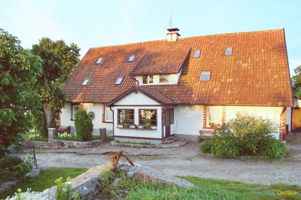 Chata u Pirata - pokoje oraz 15 przyłączy campingowych