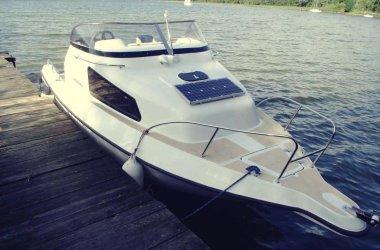 CZARTER łódź motorowa bez uprawnień rejs i nocleg dla 4 osób