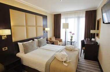 Dnister Premier Hotel ****