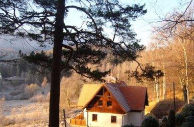 Dom nad Doliną w urokliwej Przesiece w samym sercu Karkonoszy.