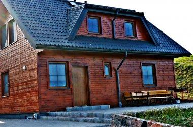 Domek i pensjonat nad jeziorem Boksze