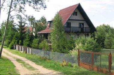 Domek nad mazurskim jeziorem