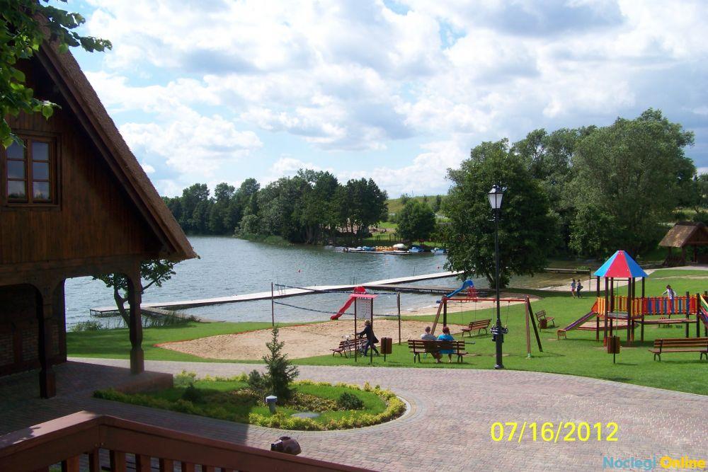 Domki i pokoje studio nad jeziorem w Borach Tucholskich