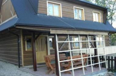 Drewniany domek góralski w Podszklu