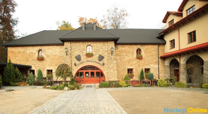 Folwark Stara Winiarnia ***