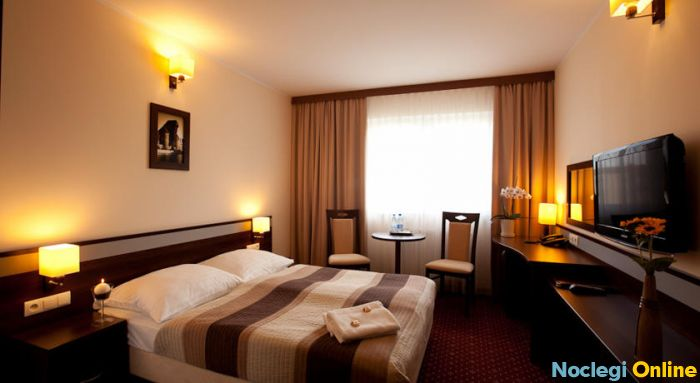 Amber Hotel ***