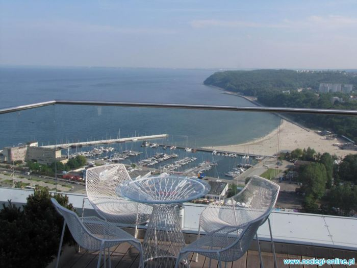 Sea Towers - apartament z bezpośrednim widokiem na morze    608 502 333