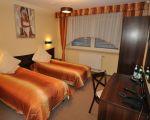 Hotel*** Motel** DOMINO