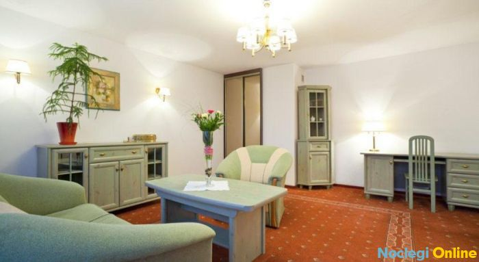 Huzar Hotel ***
