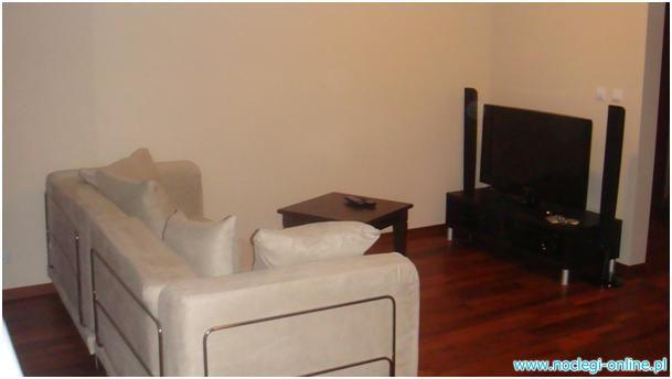 mieszkanie 2 sypialnie + kuchnia z salonem + łazienka, taras i garaz