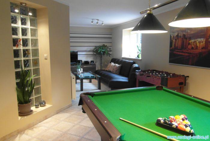 Apartament ze stołem bilardowym dla 4 osób blisko Warszawy, jeziora i lasu