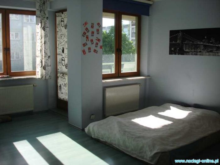 Big & cheap room in the centre for Euro 2012