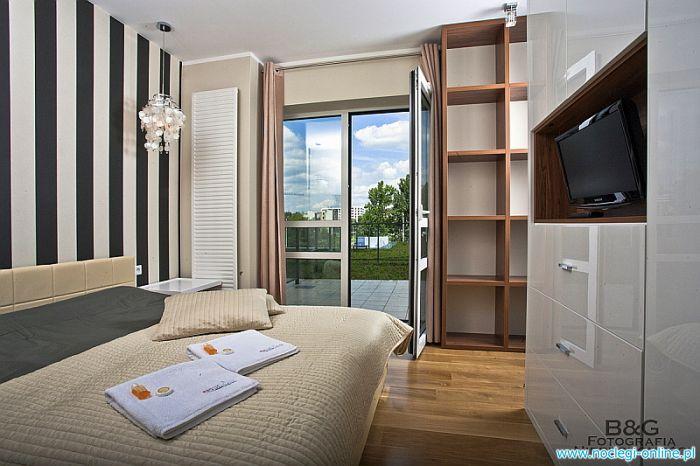 Apartamenty w Warszawie - REZERWACJE ON-LINE 24h -Noclegi w centrum
