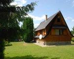 Ińsko Domek nad jeziorem -W Ińskich Parkach Krajobrazowych.