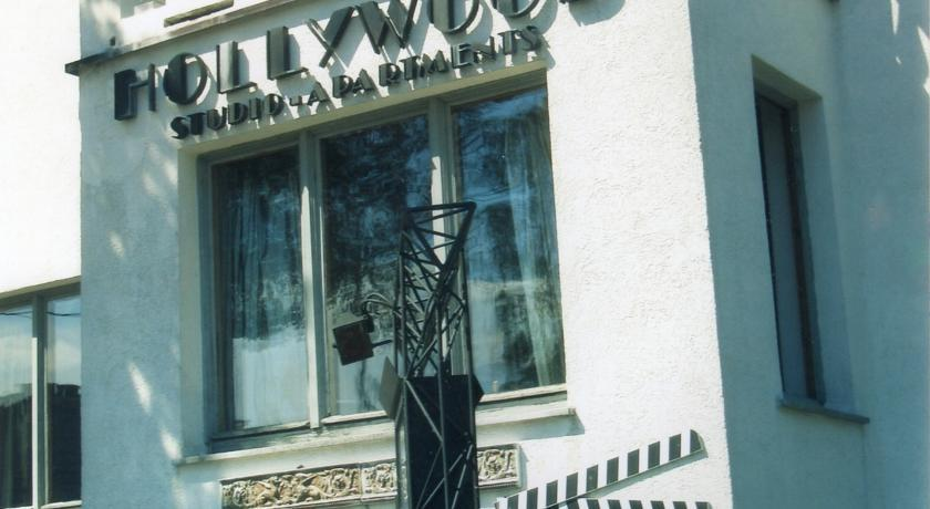 Hollywood Studio Apartments