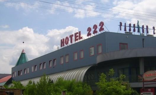 Hotel 222