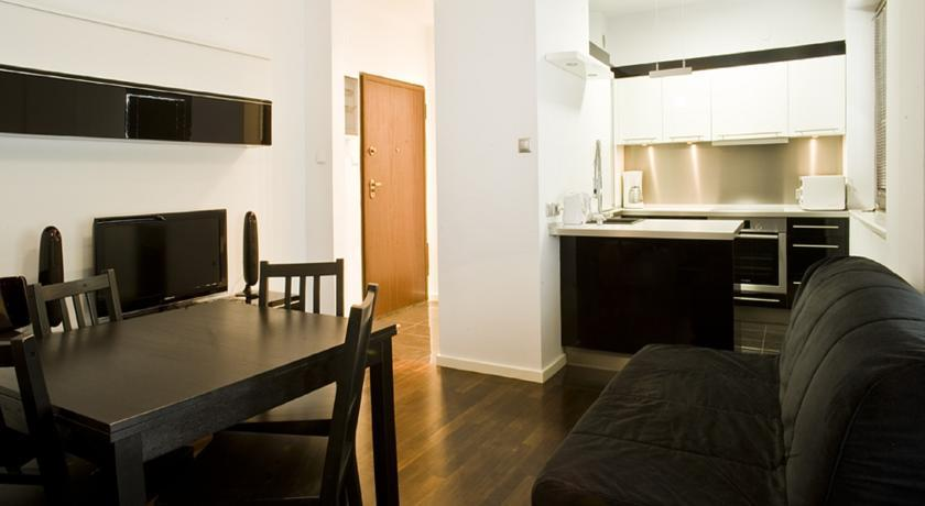 Roommate Apartments