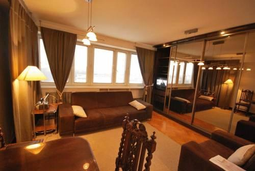 Apartment4You Rondo de Gaulle'a