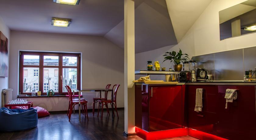 Łódzki Pałacyk - Pokoje hostelowe