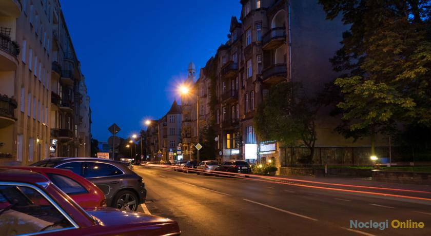 1 Night In Poznań - Matejki Apartments