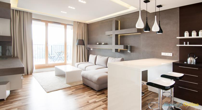 Top floor luxury apartment