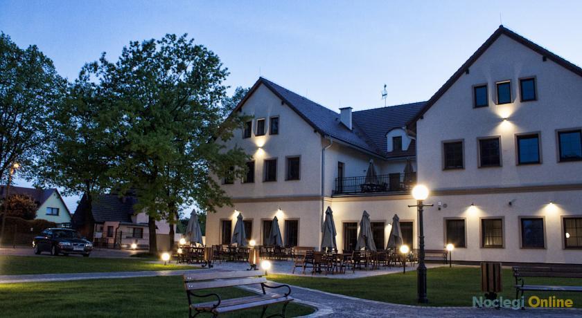 Hotel Modrzewiowy Dwór