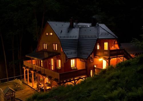 Pensjonat Alpejski Dwór