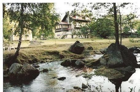 Willa nad potokiem górskim