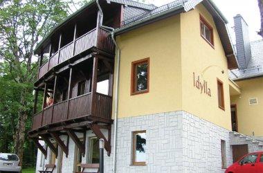 Apartamenty oraz Restauracja IDYLLA