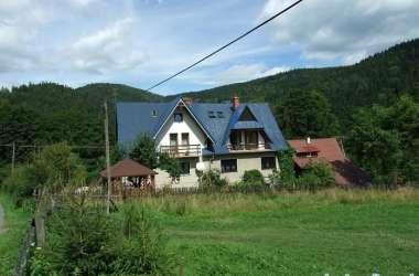 """Dom """"Pod Błękitnym Dachem"""""""
