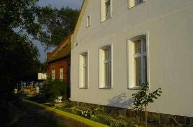 Pokoje gościnne Biały Dom Roby