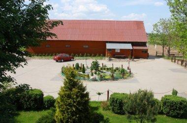 Stadnina koni w Żarnowie