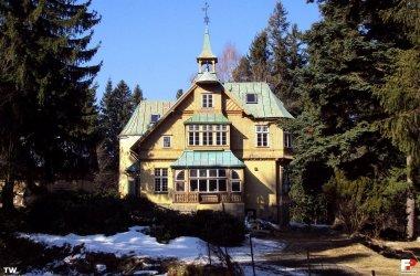Villa Husarz & Scots Inn