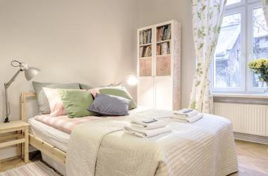 Comfy & Quiet Old Town Apartment