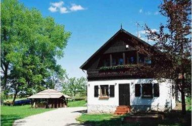 MAZURU - gospodarstwo Agroturystyczne oraz drewniany domek