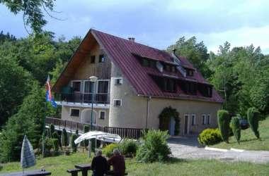 Ośrodek Wczasowy Dziennikarzy NEST-LUBICZ
