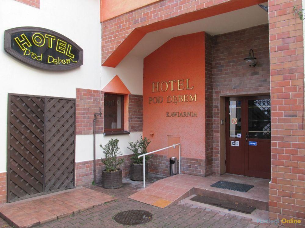 Hotel Pod Dębem