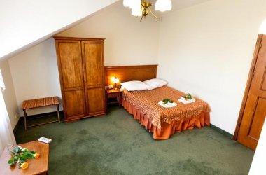 Hotel Pod Złotą Różą ***