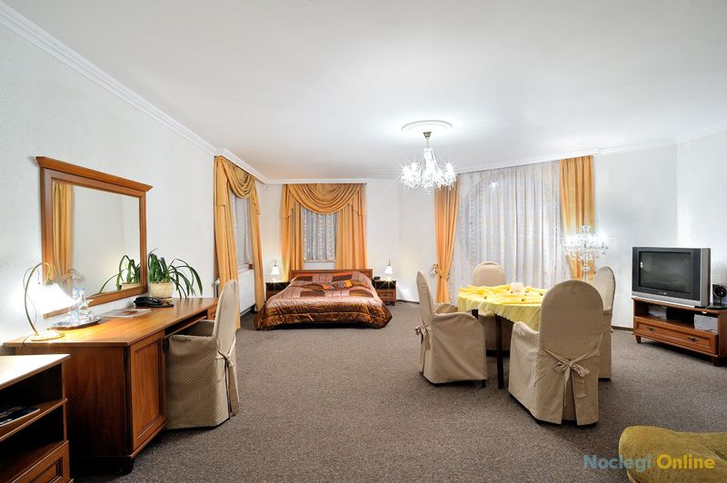 Hotel Restauracja TWIST **