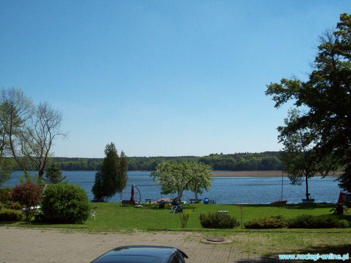 Jezioro Niesłysz . Przełazy.