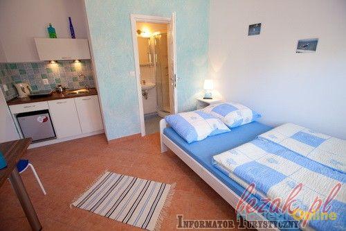 Komfortowe pokoje z łazienkami i aneksami w centrum