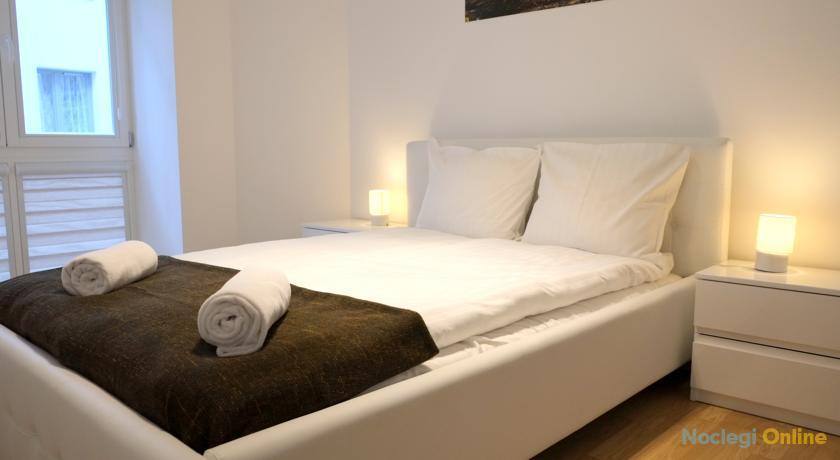Light Rooms Apartment