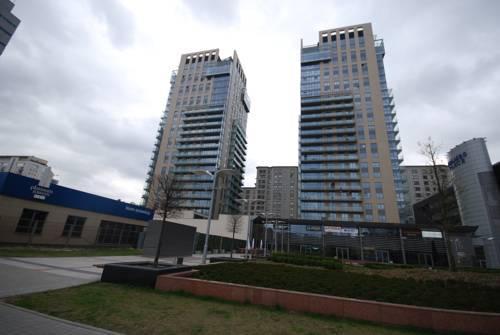 Loco Apartments