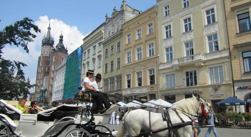 Main Market Square Apartments