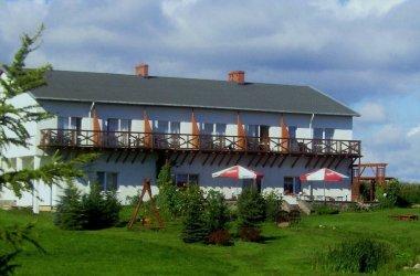 Mazury: Niewielki pensjonat zaprasza nad malownicze jezioro