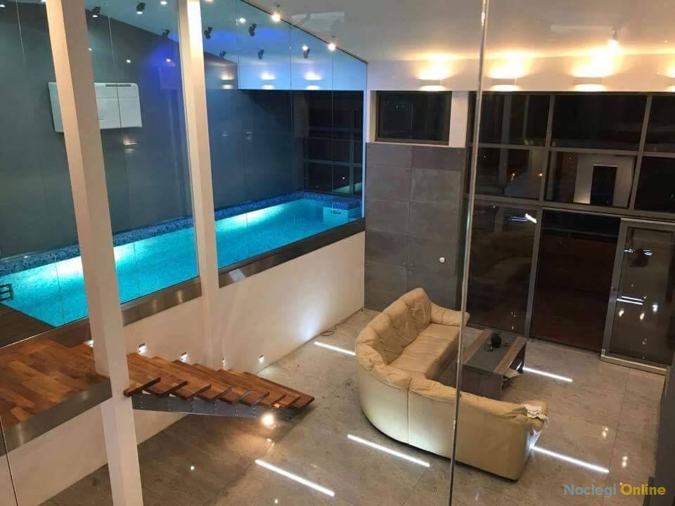 Młyńska 8 Apartament z prywatnym basenem