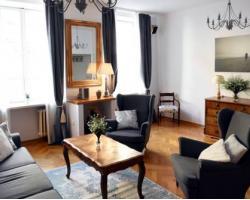 Old Town Elegant Apartment