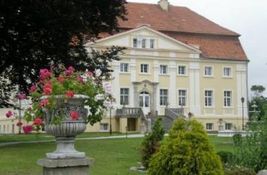 Pałac Henryków